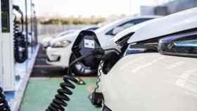 ¿Dónde consultar la red pública de cargadores operativos para vehículos eléctricos en España?
