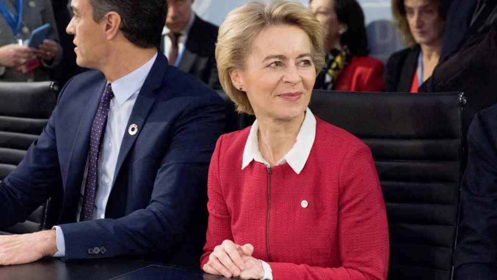 El presidente del Gobierno, Pedro Sánchez, y la presidenta de la Comisión, Ursula von der Leyen