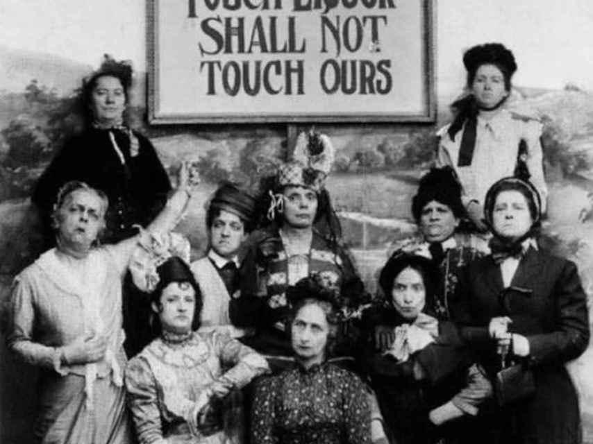 Los labios que toquen el alcohol no besarán los nuestros.