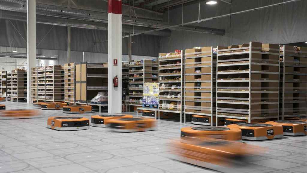 Robots que usa Amazon en su centro de Castellbisbal, en Barcelona.