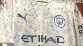 La posible tercera camiseta del Manchester City para la temporada 2020-2021