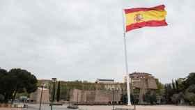La bandera de España ondea en la Plaza de Colón, en Madrid.