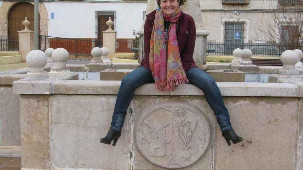 Ana Céspedes, en la plaza de  Barrax.