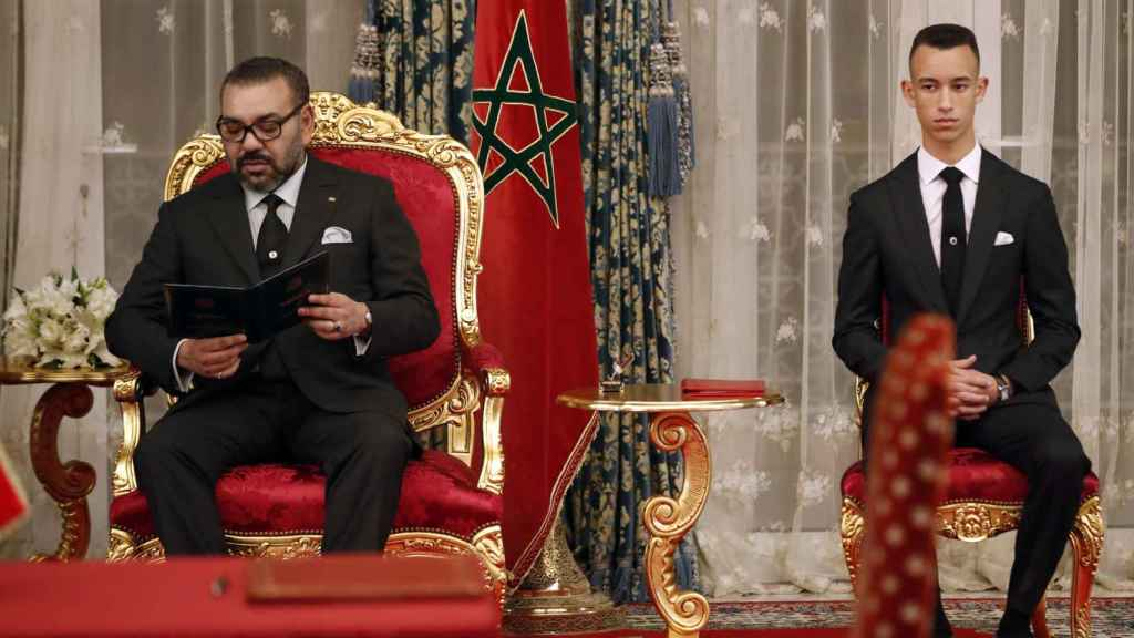 Mohamed VI con su hijo el heredero Moulay Hassan.