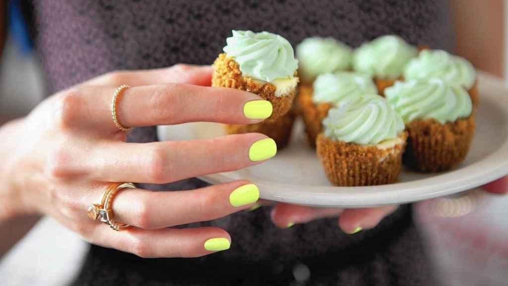 El color lima, un tono entre el amarillo y el verde que necesitas este verano.