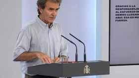 Captura de la señal institucional de Moncloa de la rueda de prensa ofrecida este lunes por Fernando Simón. (EFE)