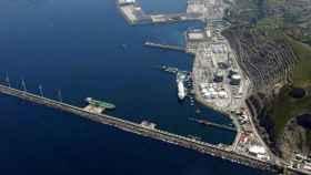 Imagen de la terminal Marítima de Punta Lucero en Bilbao, donde se encuentra la refinería de Petronor.