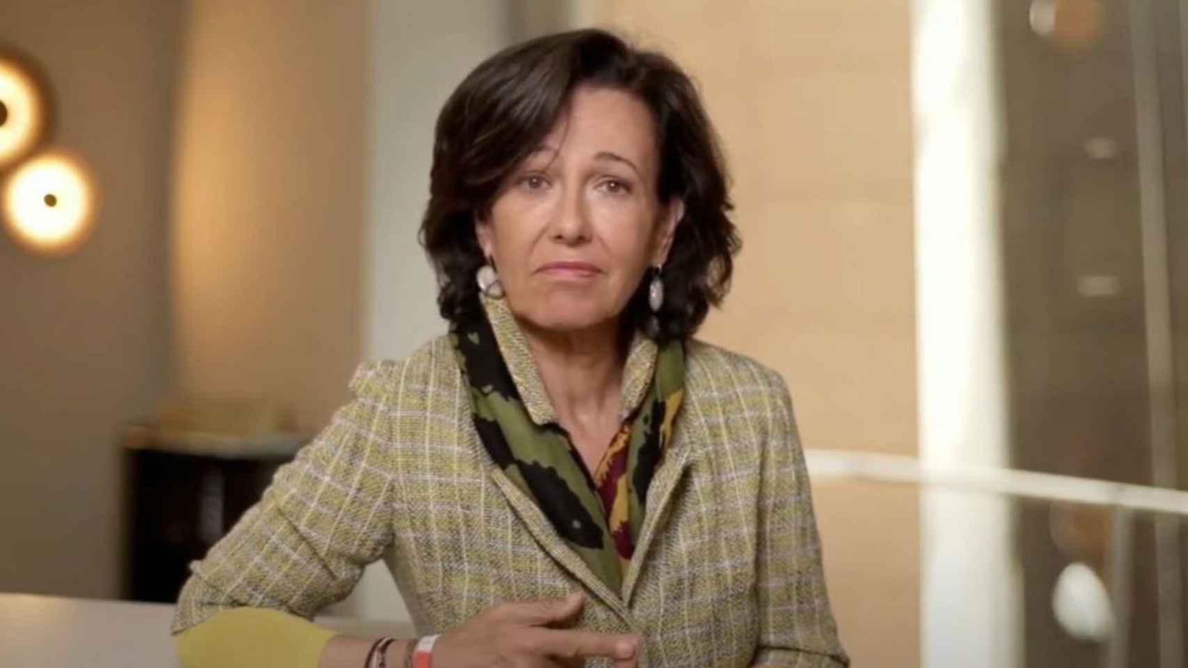 Ana Botín, presidenta del Banco Santander, durante su intervención en la cumbre de la CEOE.