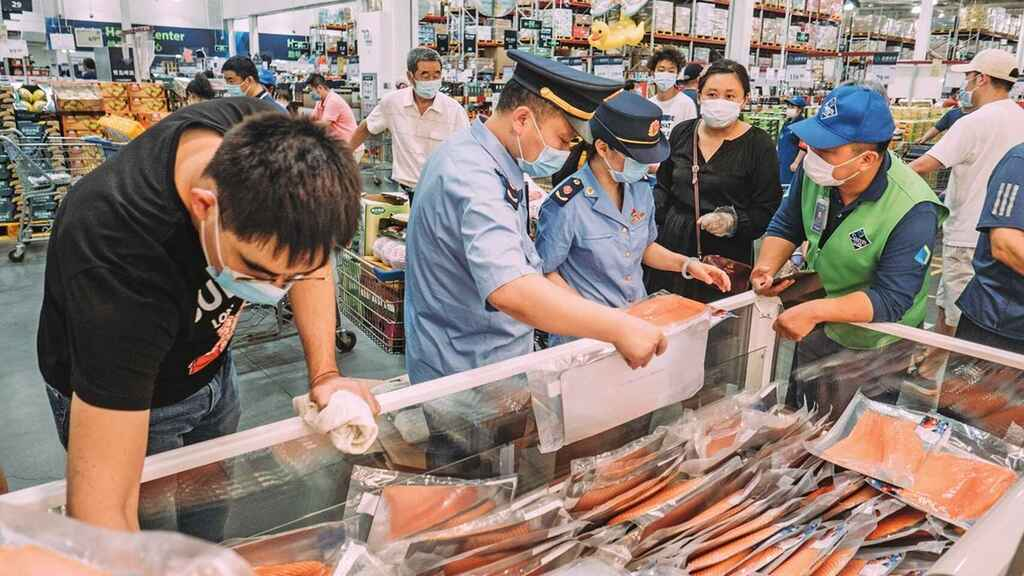 Una tabla de cortar pescado, en el centro de las investigaciones de las autoridades