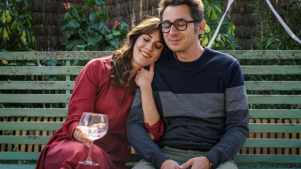 Berto Romero junto a Eva Ugarte en la serie.