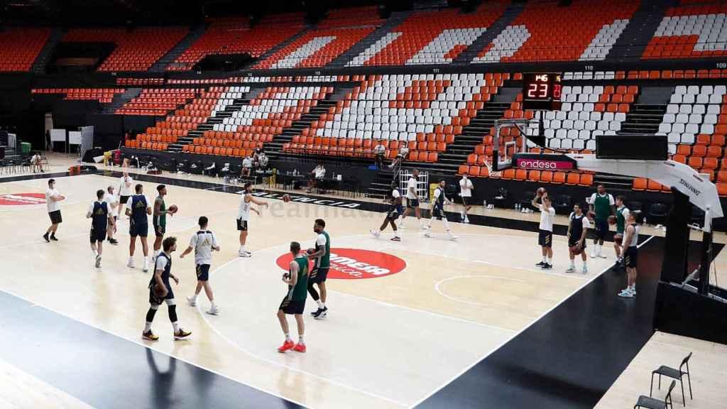 El Real Madrid de Baloncesto en un entrenamiento en la Fase Final de Valencia