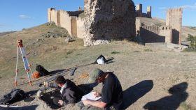 Los investigadores del proyecto, trabajando en Molina de Aragón.