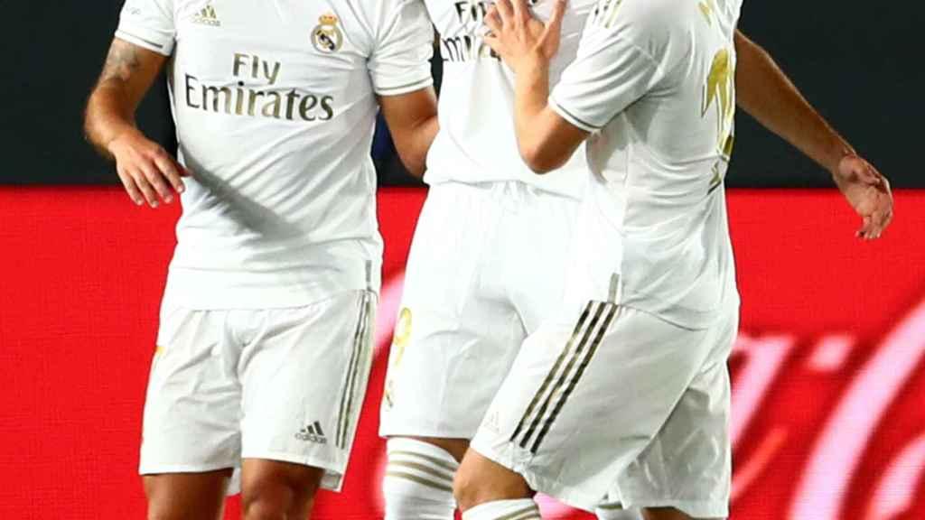 Hazard y Modric felicita a Benzema por su gol al Valencia
