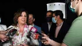 Patricia Franco, anoche durante la inauguración, por parte de García-Page, de la iluminación monumental de los Molinos de Herencia