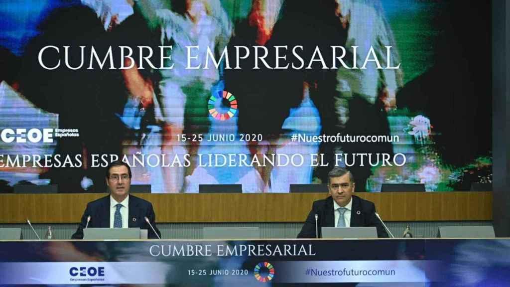 Antonio Garamendi, presidente de CEOE junto a Rodrigo Martín, presidente de Randstad.