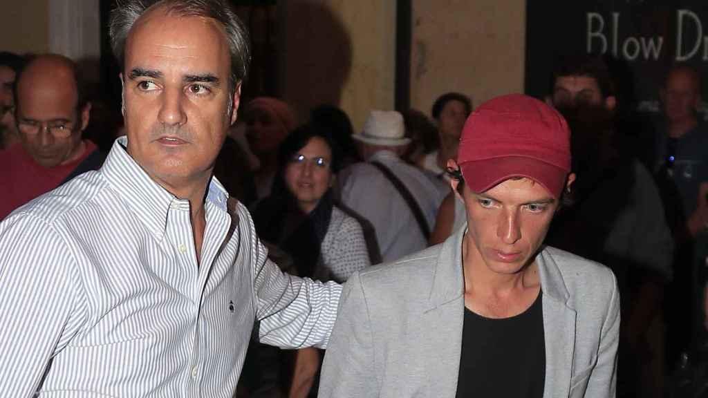'Camilín' por las calles de Madrid tras fallecer su padre Camilo.