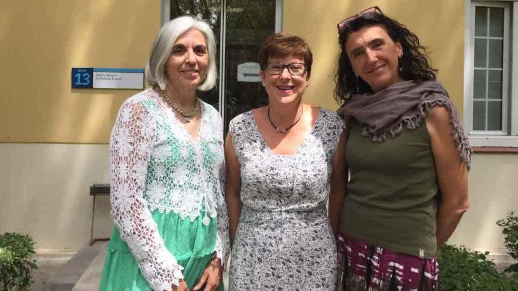 María Romáy Teresa Boquete y Teresa Blasco Hernández, investigadoras del centro nacional de medicina Tropical Carlos III.