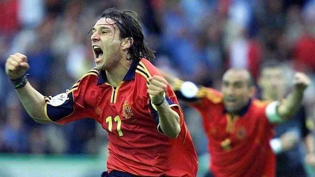Alfonso Pérez celebra su segundo gol frente a Yugoslavia en la Eurocopa del año 2000
