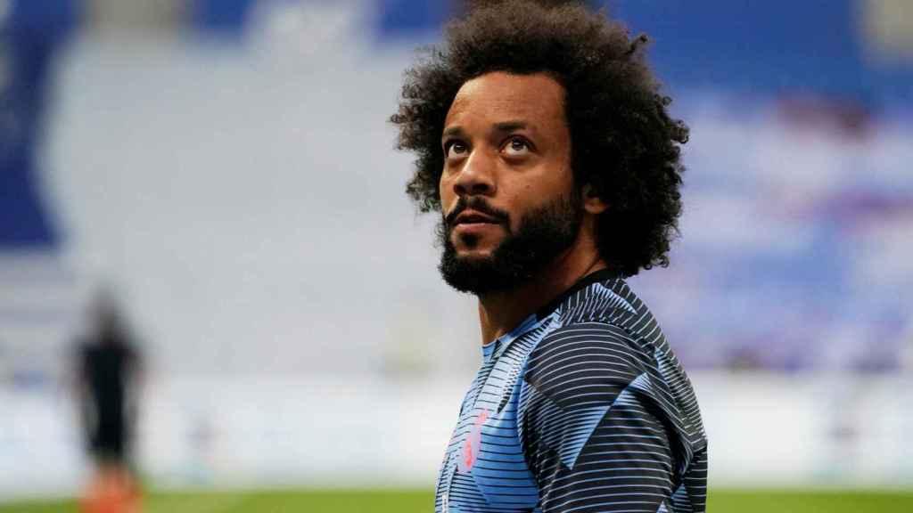 Marcelo calienta antes del partido frente a la Real Sociedad
