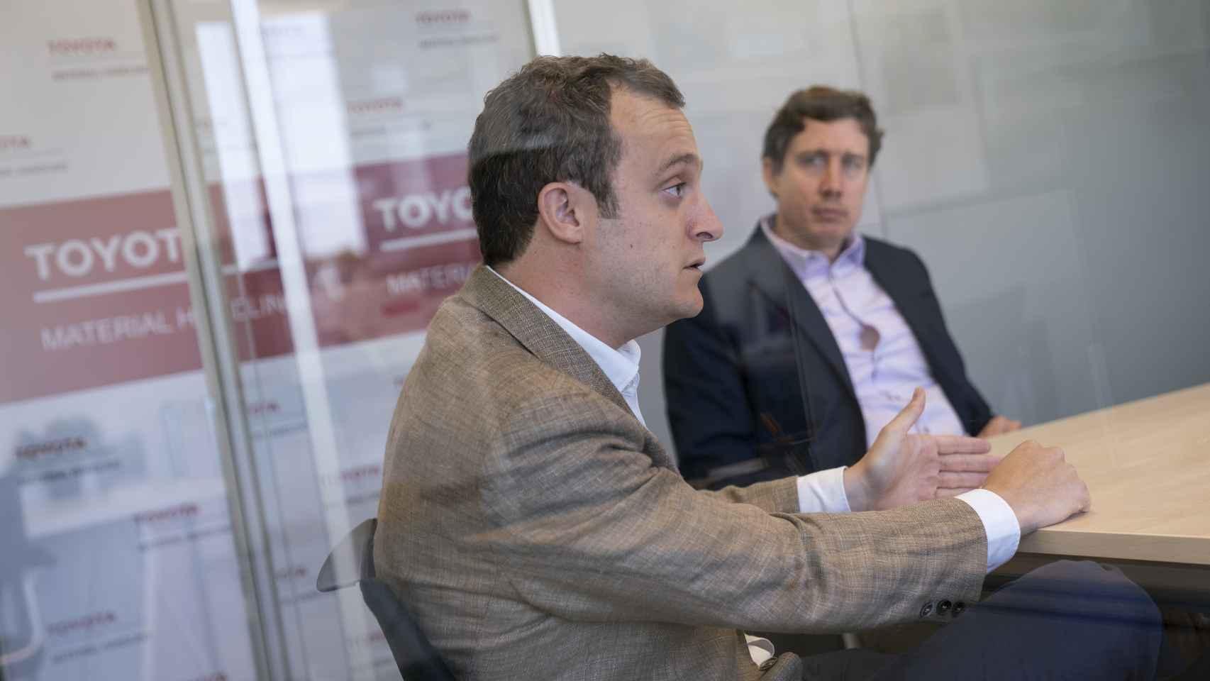 Guillermo Albaladejo y Alban de Lassus, directivos de Toyota Logistic Solutions.