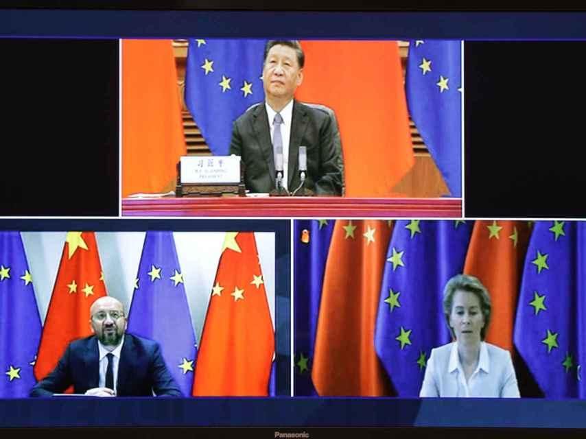 Xi Jinping, Charles Michel y Ursula von der Leyen, durante la videocumbre entre la UE y China