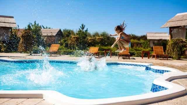 imagen de recurso de una piscina.