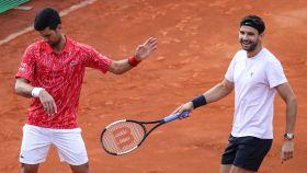 Djokovic y Dimitrov, durante un partido de dobles en el Adria Tour