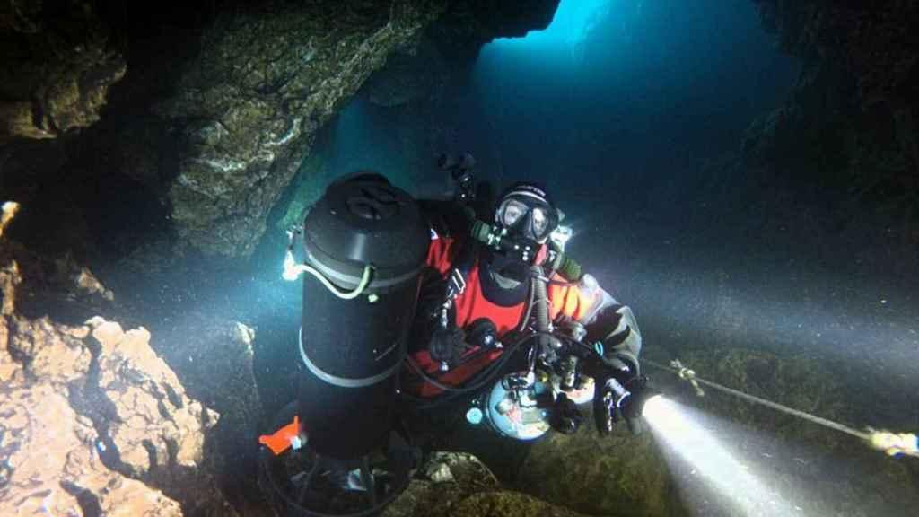 Hilari en una de sus exploraciones subacuáticas.