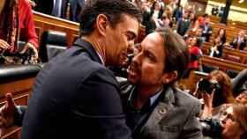 Pedro Sánchez y Pablo Iglesias, en la investidura.