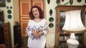 Lidia Falcón recibe a EL ESPAÑOL en el salón de su casa.