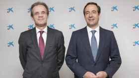 Jordi Gual, presidente de CaixaBank , y Gonzalo Gortázar, consejero delegado.