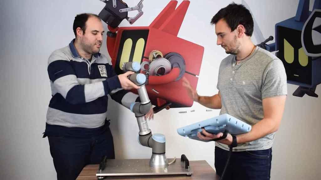 Técnicos de Alias Robotics