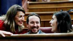 El vicepresidente Pablo Iglesias, junto a las ministras Yolanda Díaz e Irene Montero.