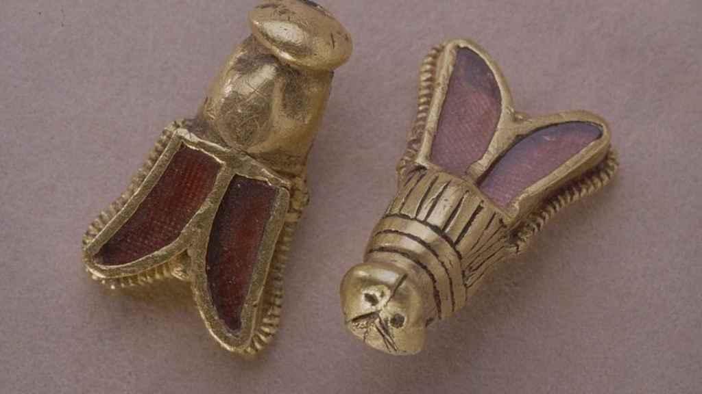 Abejas de oro que formaban parte del ajuar de Childerico.