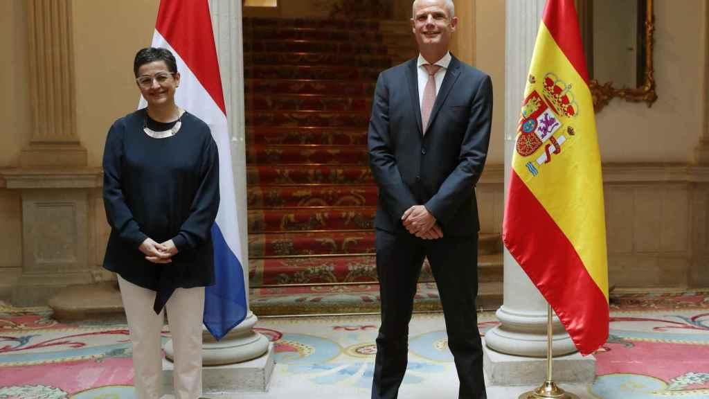 La ministra de Asuntos Exteriores, Arancha González Laya, con su homólogo holandés, Stef Blok, en Madrid.