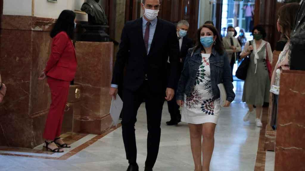 Pedro Sánchez y Adriana Lastra, a su llegada el miércoles al Congreso.
