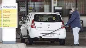 El confinamiento ha repercutido en un menor consumo de combustible.