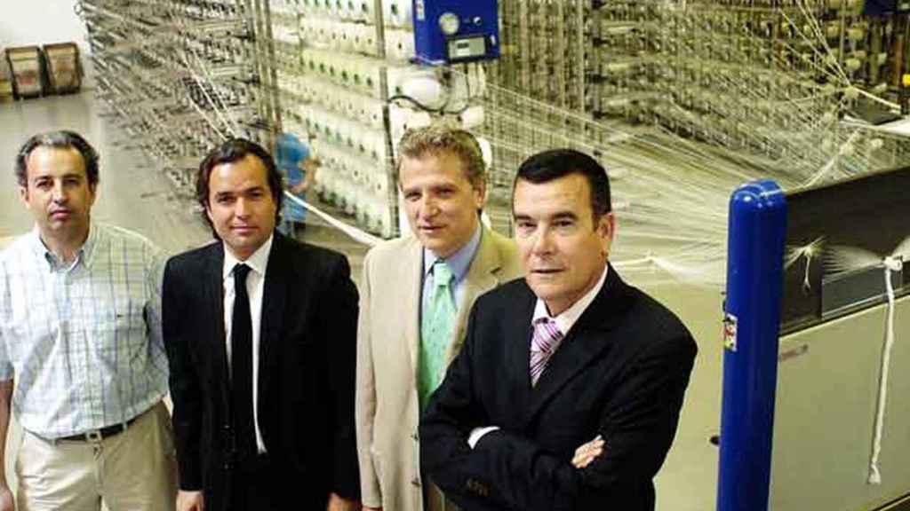 Pablo Olona, segundo por la derecha, según una fotografía publicada en 'El País' en 2007.