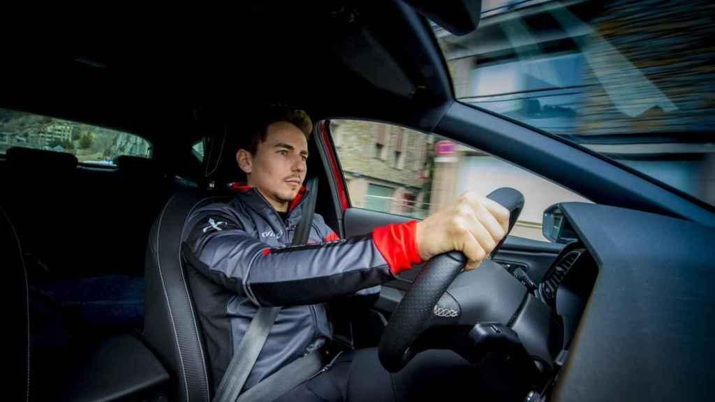 Este es el nuevo coche de Jorge Lorenzo: repasamos todos sus deportivos