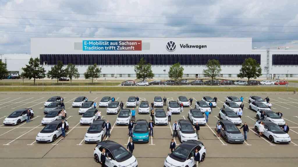 Primeros eléctricos de VW que probarán los empleados.