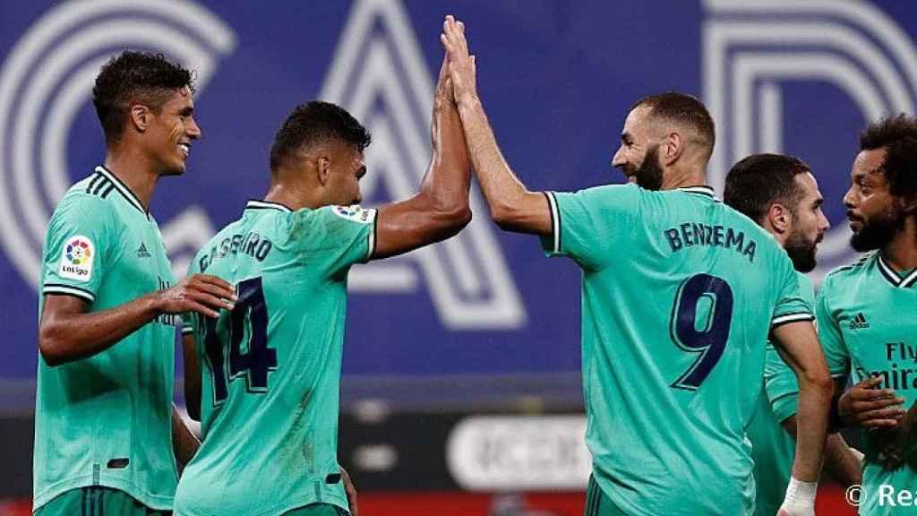 Casemiro y Benzema celebran el gol ante el Espanyol