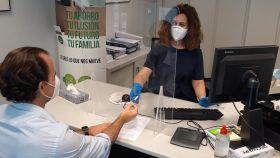 Un empleado del sector financiero durante la pandemia.