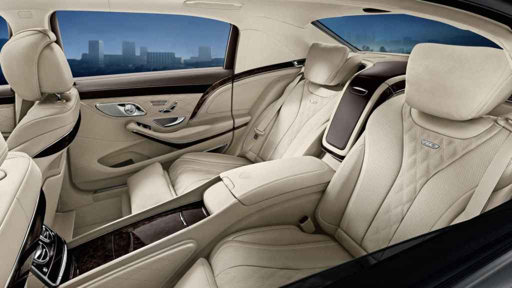 Imagen del interior de un Mercedes Clase S blindado.
