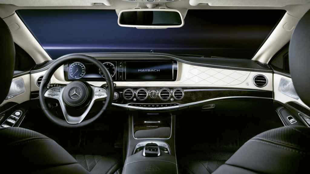 Cuadro de instrumentos del Mercedes Clase S blindado.