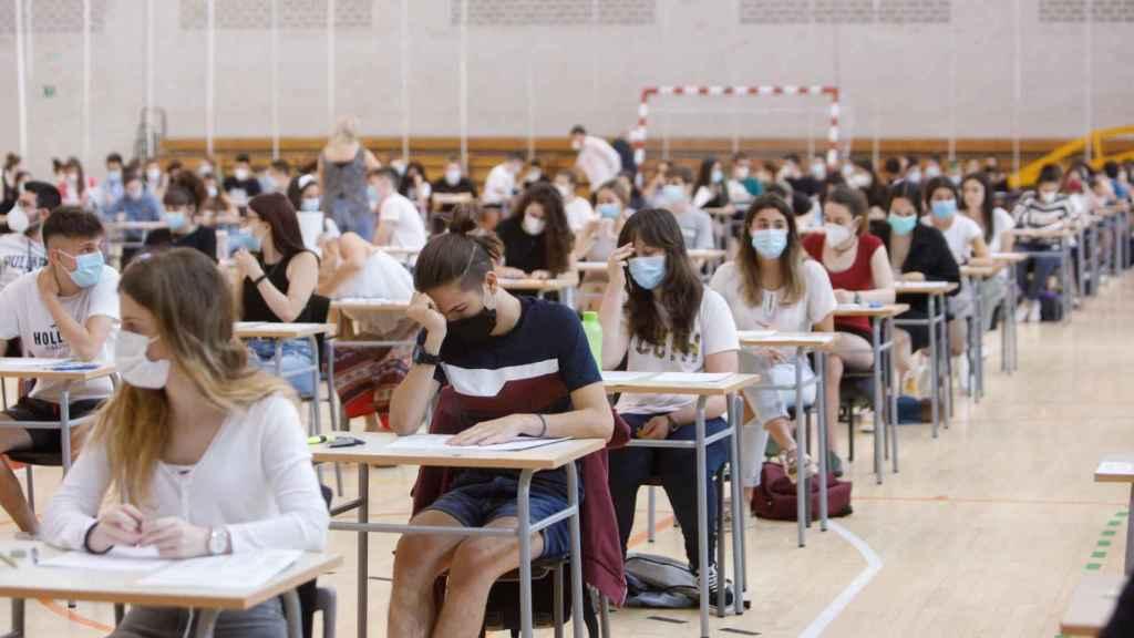 Estudiantes de Navarra durante las pruebas de acceso a la Universidad.