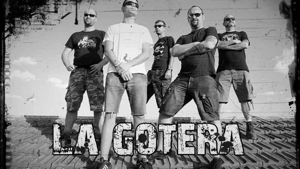 Pedro, en el cartel de La Gotera, el grupo de rock donde tocaba.