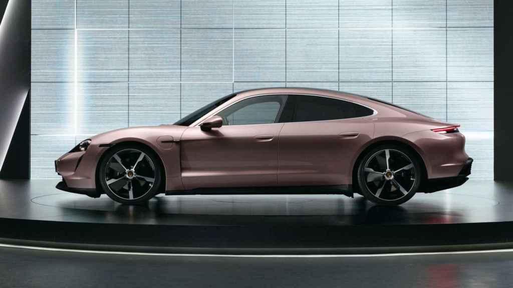 El nuevo Porsche Taycan busca ser una alternativa al Tesla Model S