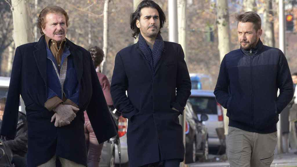 Alexis Ledgard junto a Edmundo Arrocet y el el hijo de este, Maximiliano.