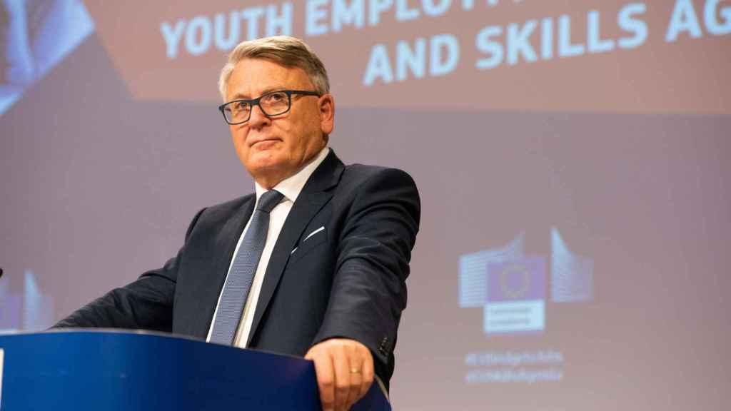 Díaz se reúne también en Bruselas con el comisario de Empleo, Nicolas Schmit