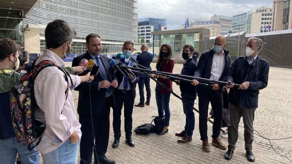 José Luis Ábalos comparece ante la prensa tras reunirse con la comisaria de Transportes, Adina Valean